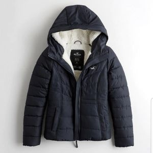 Hollister NWT Sherpa Lined Puffer Jacket M